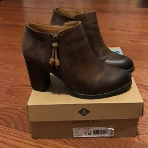 Sperry Dasher Lille Ankle Boots
